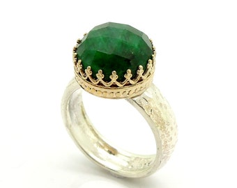 Emerald ring set in gold lace and sterling silver