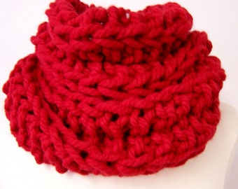 Big Chunky Knit Red Cowl, Tall Big Knit Cowl Red, Big Knit Red Ribbed Cowl, Large Knit Cowl Red, Fashion Trends, Big Knit Circle Scarf