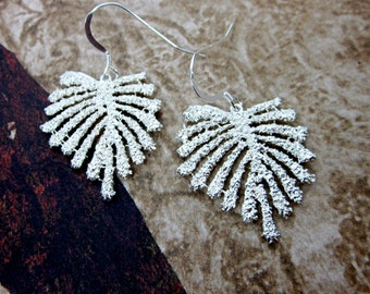 Silver Leaf Earrings -- Leaf Dangle Earrings -- Textured Leaf Earrings -- Silver Leaf Jewelry -- Nature Leaf Earrings -- Gift Box Included
