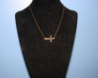 14k Gold Sideways Or Centered Cross Necklace, Worn by Kelly Rippa, JLo, Jennifer Lopez, Emma Watson, 15 16 17 18 19 20 inch long