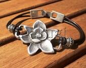Womensilver bracelet with silver flower