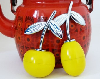 1950's / 1960's cherry & plum fruit salt and pepper pots