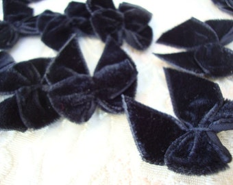 25 Plush Black Velvet Ribbon Bows for Sewing Party Favors Wedding Favors Scrapbooking S110