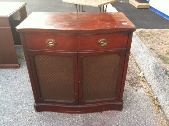 Drexel Motorola Cabinet Record Player/ Radio Vintage Antique