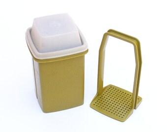 Retro yellow lemon juicer citrus juicer reamer by by for Soil x cleaner