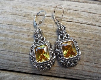 Medieval earrings in sterling silver with canary yellow cz