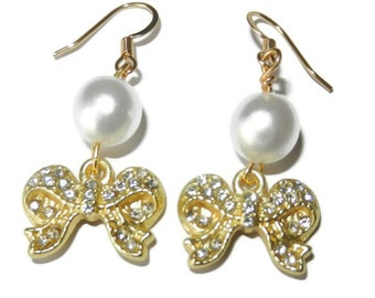 Gold Bows and Pearls Dangle Earrings