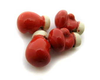 10 Ceramic Beads - Boxing Gloves