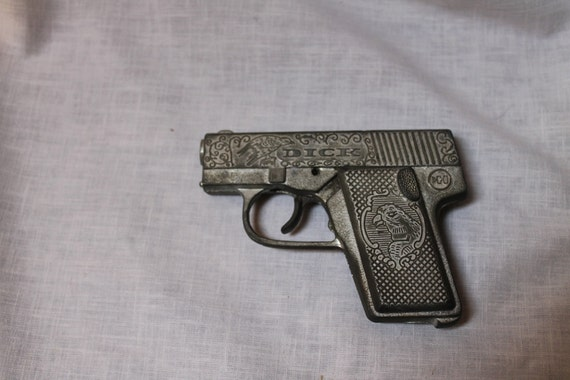 vintage Hubley Dick Tracy cap gun