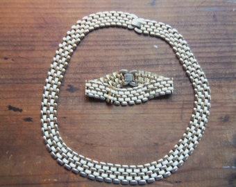 70s CREAM and GOLD ENAMEL Set--Liquid and Slinky--Lies Flat--Bracelet and Necklace