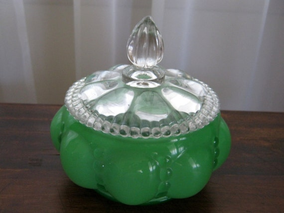 Reserved Vintage Very Rare Circa 1940 Depression Glass Fenton Green Beaded Melon Vanity Boudoir Powder Jar Mint