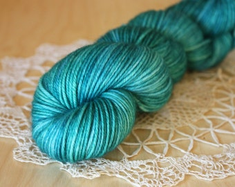 Hand Dyed Yarn / DK Weight / Teal Turquoise Ocean Sea Blue Green Superwash Merino Wool / Sargasso