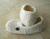Virgin WOOL Adult CROCHET Slippers in Natural White / Diabetic Chunky Wool Slippers / ECO gift