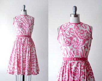 1950s dress. pink. 50 print dress. valentine. sleeveless. pink & white. dress xs 50's 60's.
