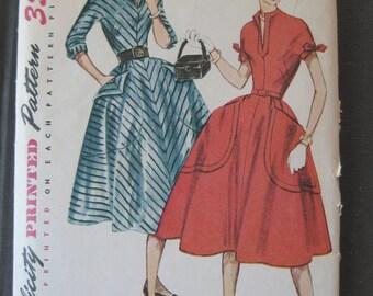 Vintage 50s Cute Retro Rockabilly Dress Pattern Full Skirt Slit Collar Patch Pockets Simplicity 3996 Size 10