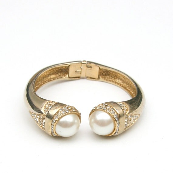 Vintage 60s Mod Art Deco Gold Toned Clamper Bracelet wint Faux Pearls and Clear Crystals Pin Up Mad Men Glam