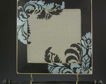 Damask Corners On Black Distressed Frame Earring and Jewelry Holder
