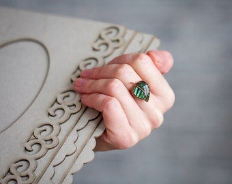 Adjustable Ring - Forest green leaf