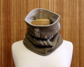 60% OFF! The khaki and beige unisex cowl