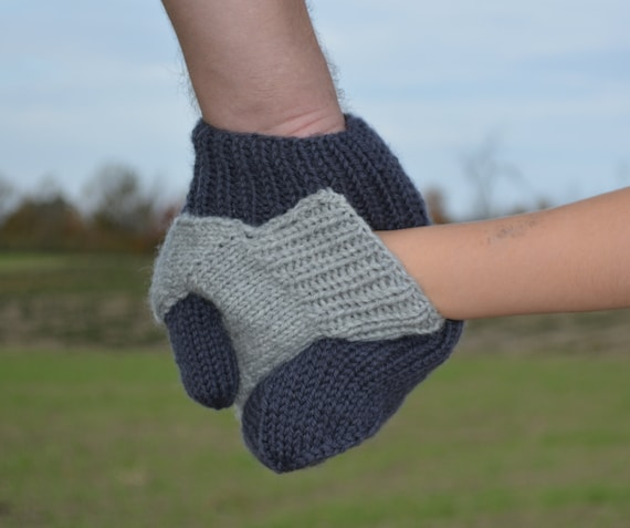 Knitting Pattern For Hand Holding Mittens : Hold My Hand Mittens for Mommy or Daddy and Toddler or Child PDF Knitting Pat...