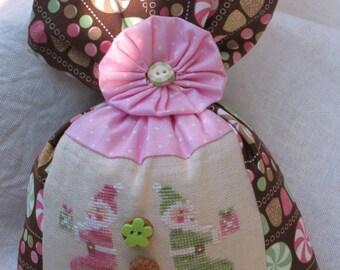 Macaron Santa cross stitch pattern