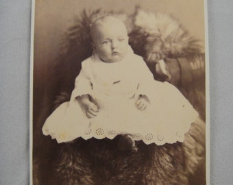 Photograph Baby Infant Girl Cabinet Card from late 1800s