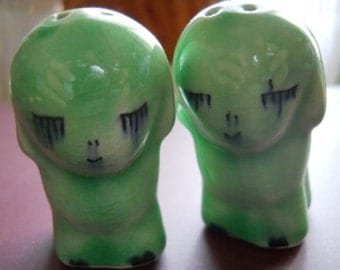 Green Puppies Salt and Pepper Shakers - Collectible, Vintage, Souvenir