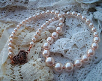 Light Peach Glass Pearl Necklace