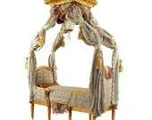 Miniature Duchesse