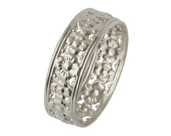 Vintage Openwork Floral Wedding Band in White Gold