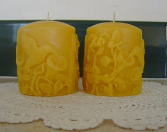 Natural Handmade 100% Beeswax Candle - Hummingbird Pillar