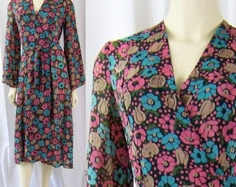 1970s floral wrap dress Trés Bien by Laor Armand