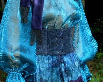 D123     Women's Renaissance, Gypsy, Wench, Pirate Blouse