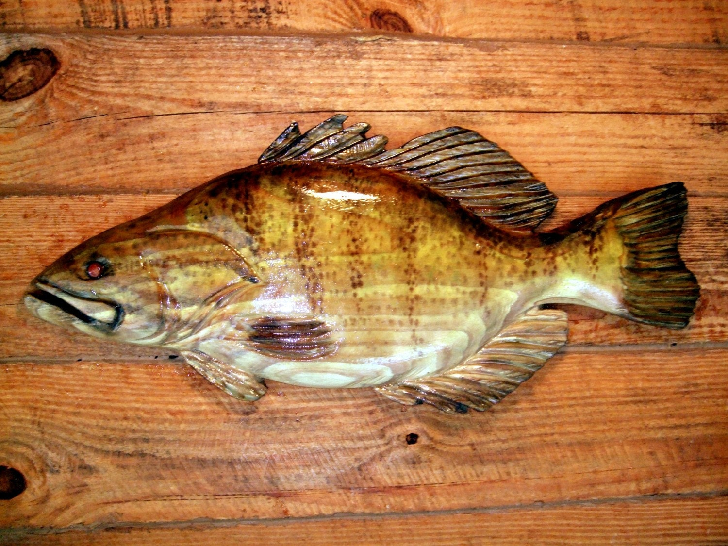 Small mouth bass chainsaw wood carving sport fishing