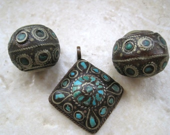 Vintage Crushed Turquoise Pendant and Spherical Beads from India - Tribal Beads