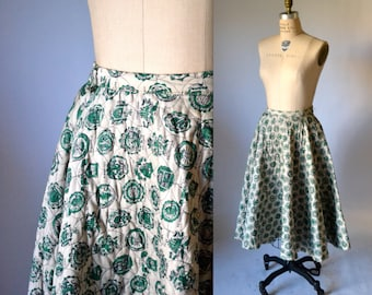 50s Circle Skirt Size Small Medium Quilted with Ivy League College Emblems// 1950s Vintage Full Circle Skirt Tan and Green
