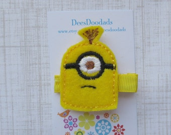 One eyed Minion - Felt Embroidered Hair Clip - Clippie - Party Favor