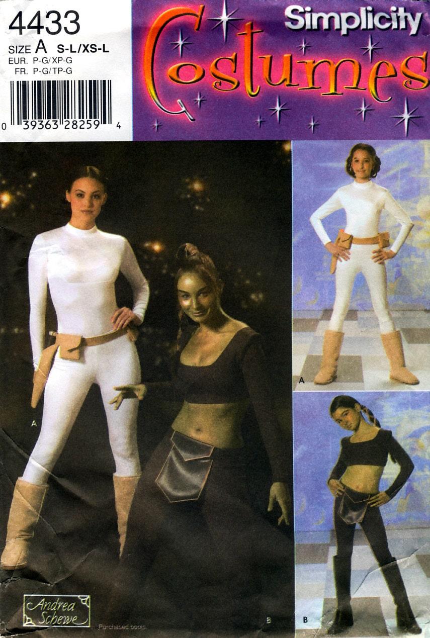 Andrea Schewe women's Star Wars combat pattern - Simplicity 4433