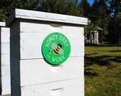 """Honey Bees At Work 9"""" round - (green) SKU: SR9006"""