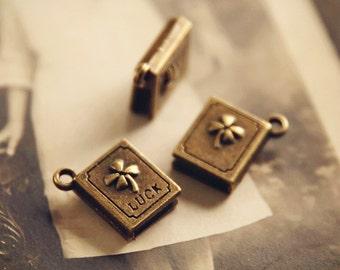 Antiqued bronze 3D book clover lucky charm (6pcs) HK11690 R26