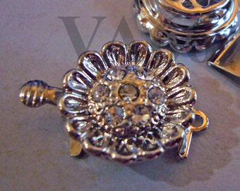 2p Rhinestone 1-strand 18K White Gold Plated Clasps Lotus Flower Clasp Findings L175 for Jewelry Making Supplies