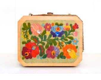 Floral box purse 1970's Vintage Flower Box Bag Wooden Box handbag Floral Design Flower with Jewels Chain Bag Faux Embroidery