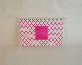 Acrylic Monogrammed Tray 6.5 x 9.5  QUATREFOIL White Pink