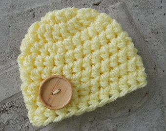 Chunky baby hat - pale yellow - photo prop - newborn  size only - ready to ship
