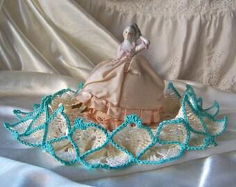 Vintage Crochet Doily Turquoise Trim Starched Edge Grandma's Doilies 1980s