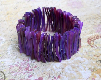 Dyed Shell Stretch Cuff Bracelet — Grape