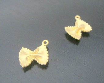 Matte Gold Tarnish resistant farfalle pasta pendants, connectors, findings, butterfly, 2 pc, U510578