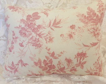 Shabby chic pillow toile fabric pink and cream for Toile shabby chic