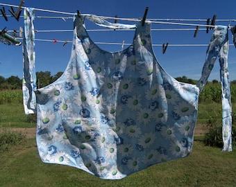 Vintage Cotton Full Apron Blue Flowers