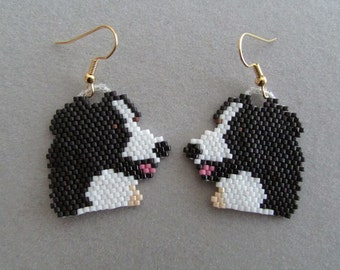 Beaded angel earrings in red delica beads by for Tap tap fish corgi